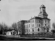 Black & White Photo of Courthouse