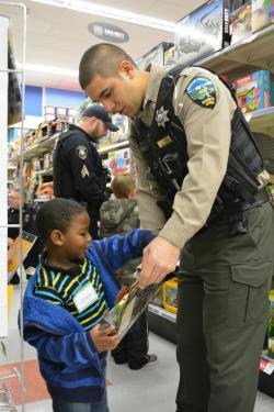 2016 Shop with a Cop
