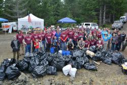 Volunteers at MarysPeak CleanUp